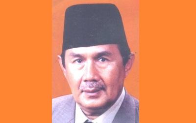 Biografi KH. Drs.Totoh Abdul Fatah Ghazali S.H