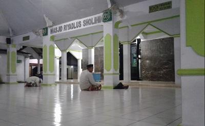 Wisata Religi dan Tawassul di Makam Habib Sholeh al Hamid Tanggul