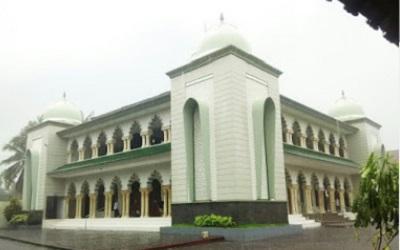 Wisata Religi dan Berdoa di Makam KH Maftuh Said Kab. Malang