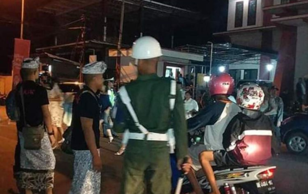 Banser dan Umat Hindu Ikut Amankan Malam Natal di Ambon