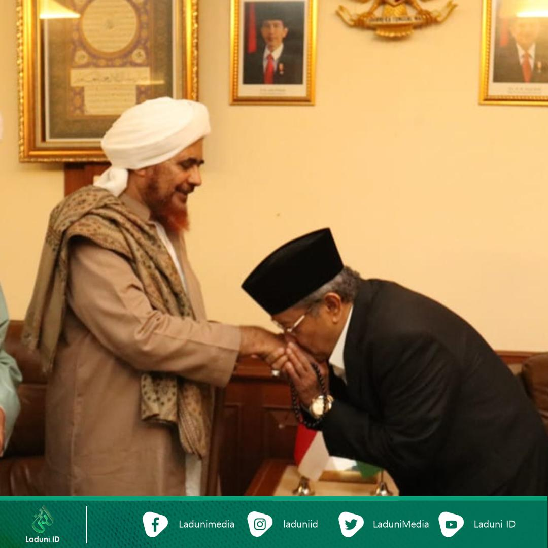 Kemesraan Habib Umar bin Hafidz dengan Kiai Said saat Kunjungan ke PBNU